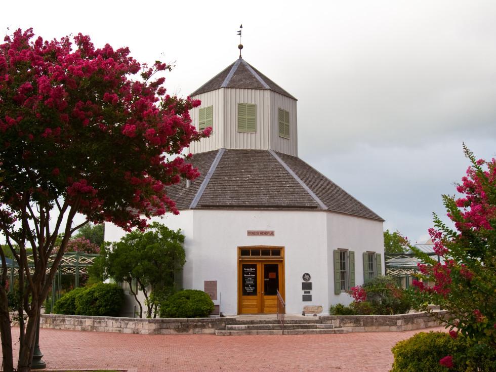 Vareines Kirch in Fredericksburg