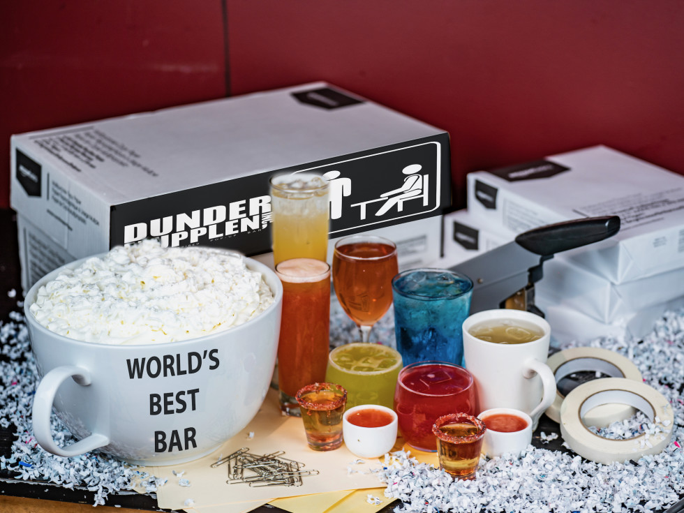 Dunder Mupplen Office pop-up bar cocktails