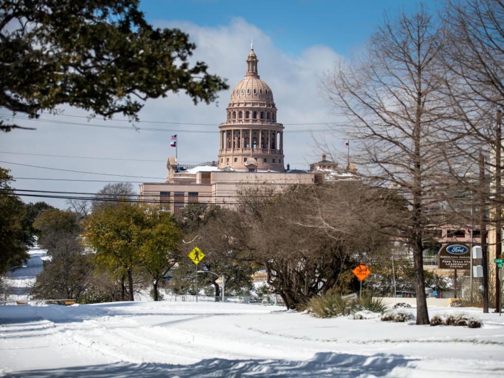 Austin capitol building snow storm 2021