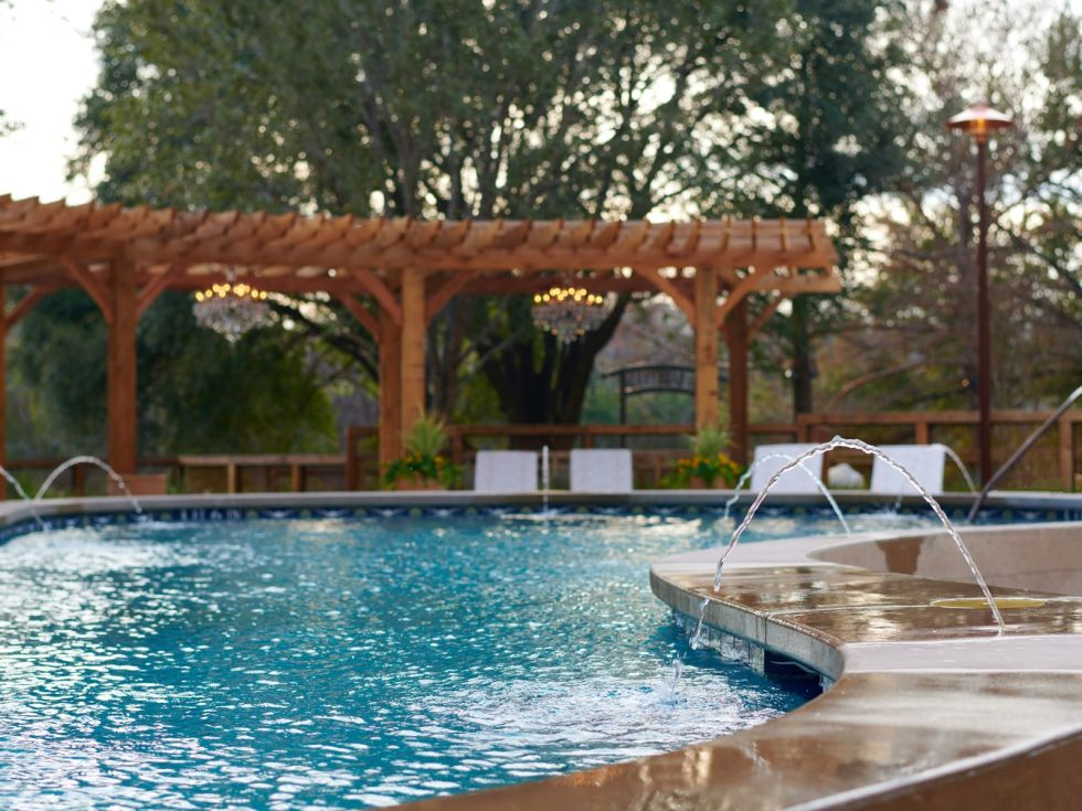 Hotel Drover backyard pool