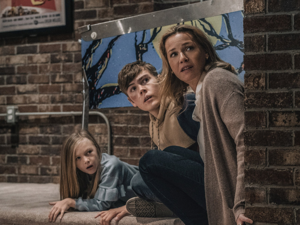 Paisley Cadorath, Gage Munroe, and Connie Nielsen in Nobody