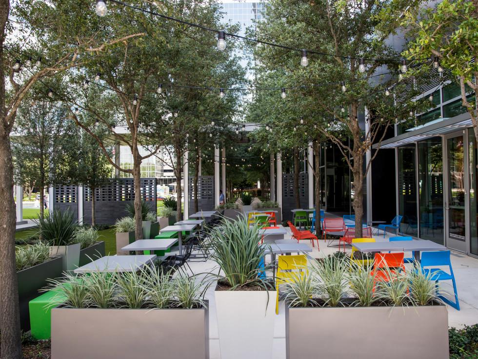 Fusion Eats Greenway patio