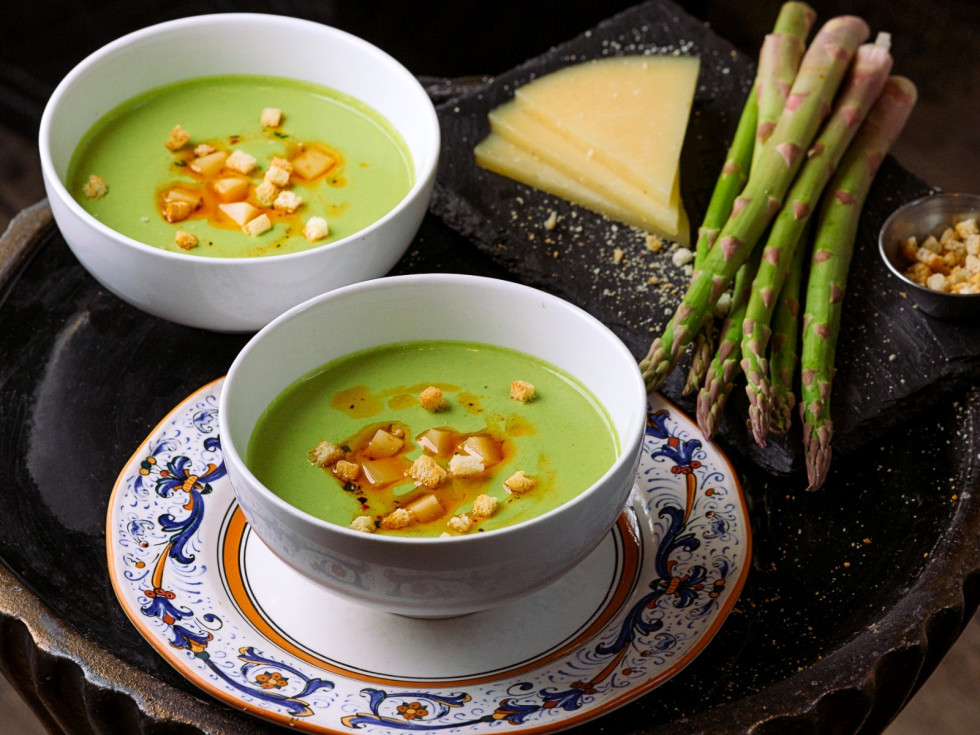 Bulla Gastrobar asparagus