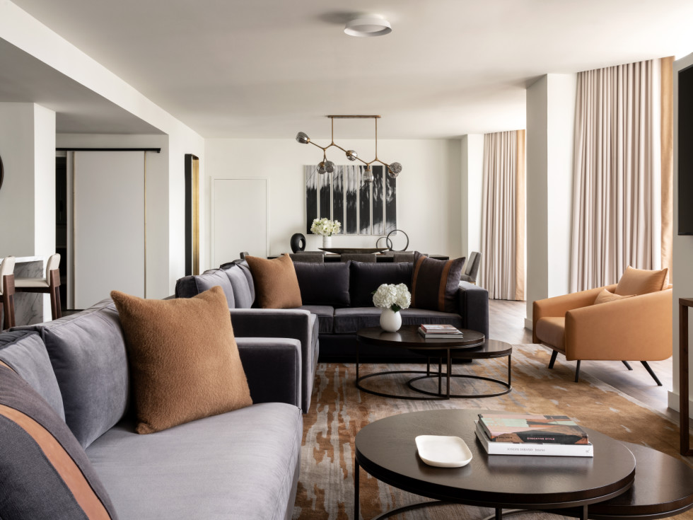 Four Seasons Houston new rooms suites Penthouse living room