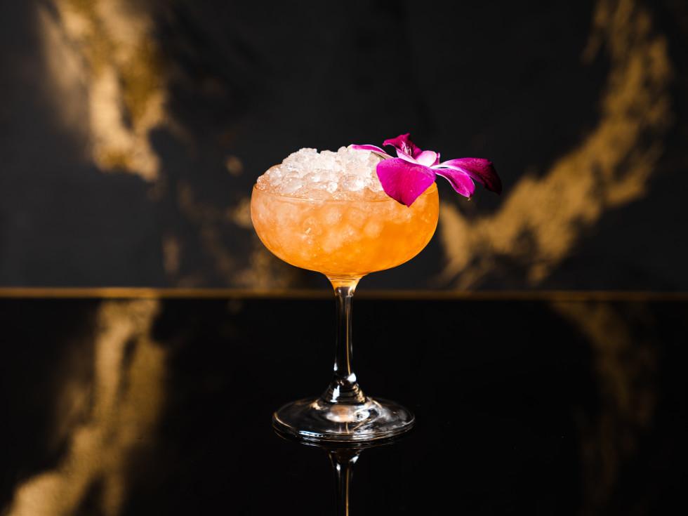 Daisy Buchanan Lounge Not-a-Colada