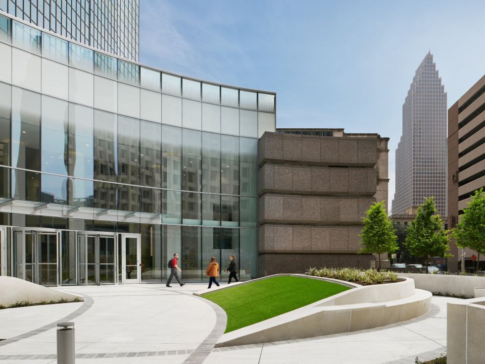 Heritage Plaza downtown Houston Bagby