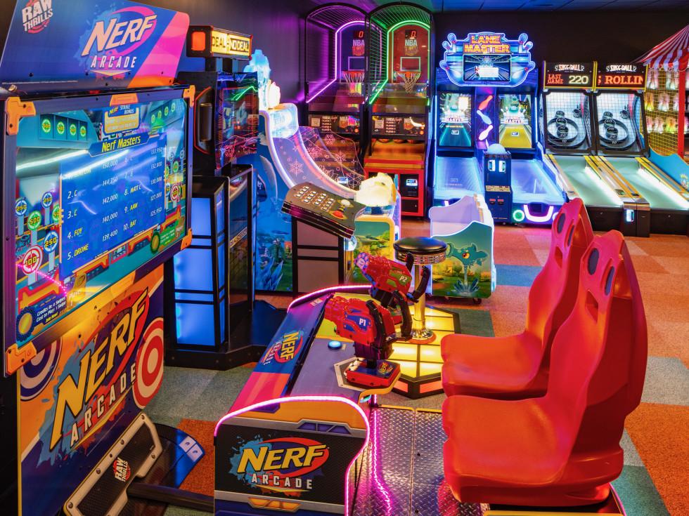 Palace Social arcade