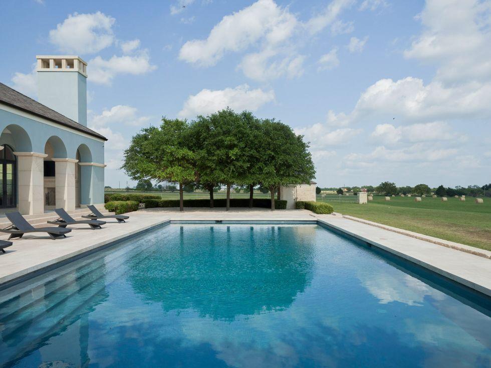 Sky West Ranch pool