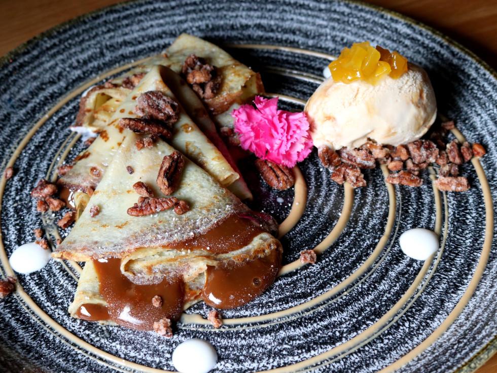 Van Leeuwen ice cream Caracol crepas con cajeta dessert