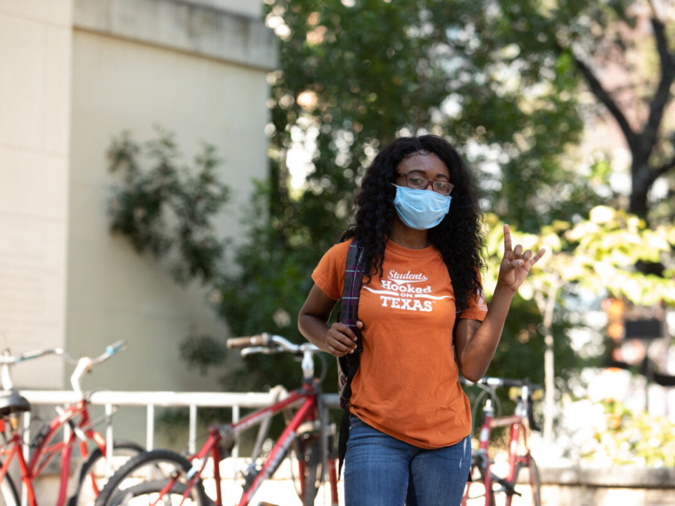 UT student wearing mask