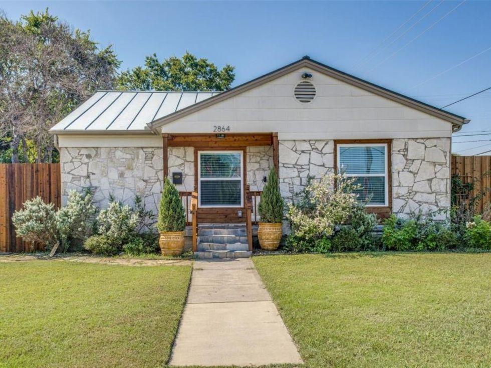 Small Dallas home for sale, 2864 Searcy Dr 75211