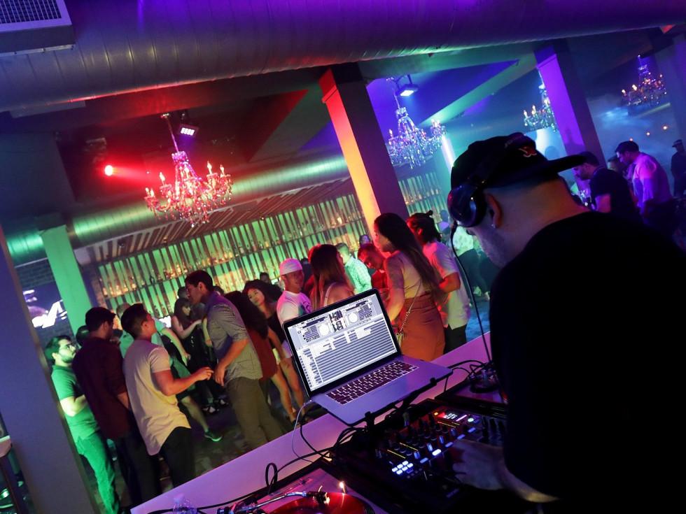 Henke & Pillot Houston DJ club crowd dance