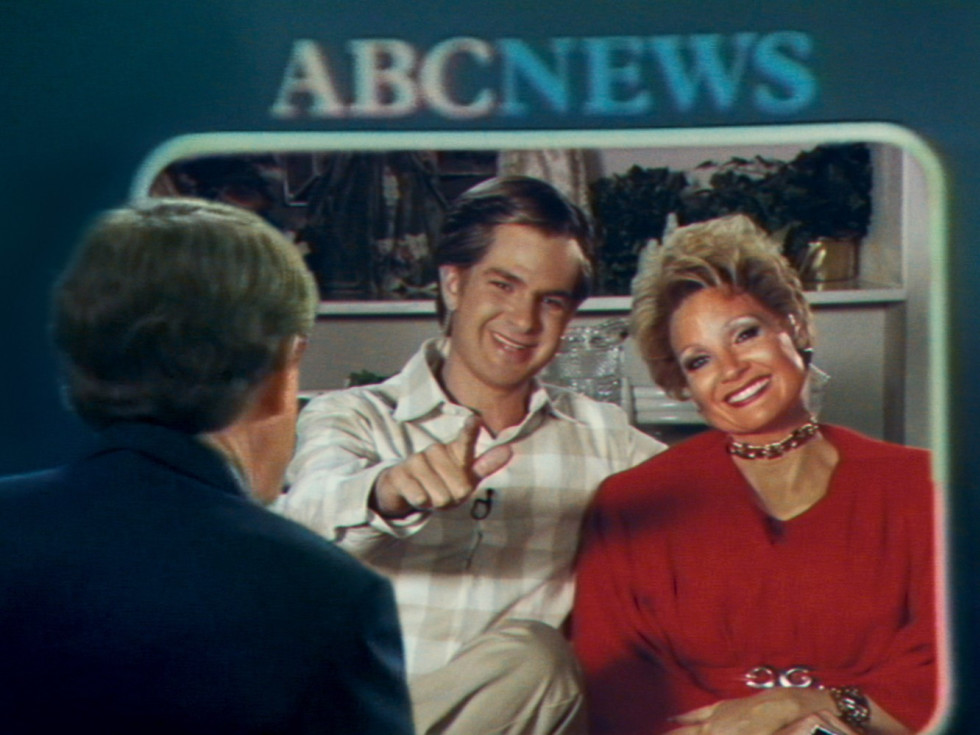 Andrew Garfield and Jessica Chastain in The Eyes of Tammy Faye