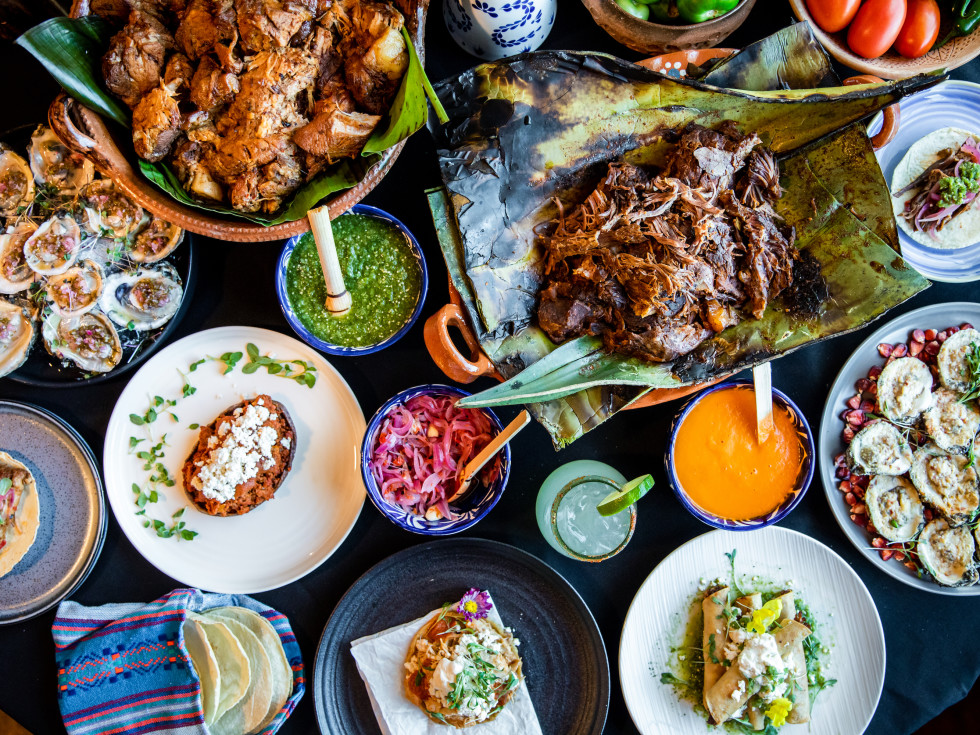 Maize restaurant food spread