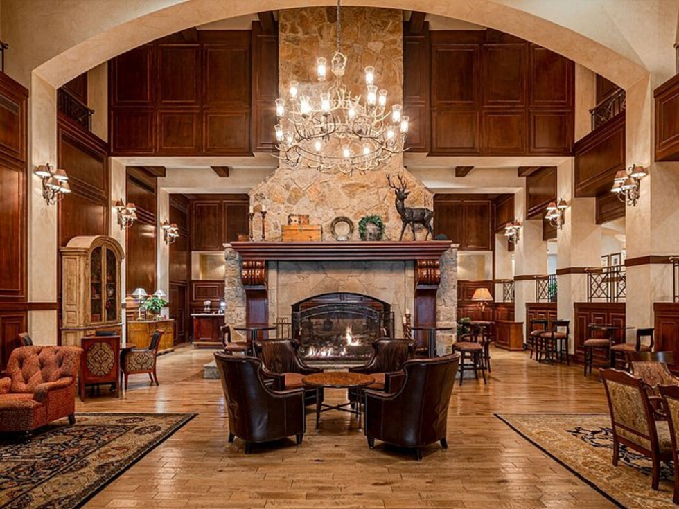 The Houstonian Hotel grand room