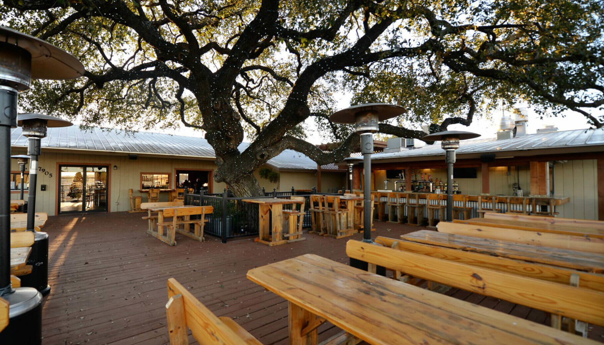 New San Antonio bar and grill plans Texas-sized grand ...
