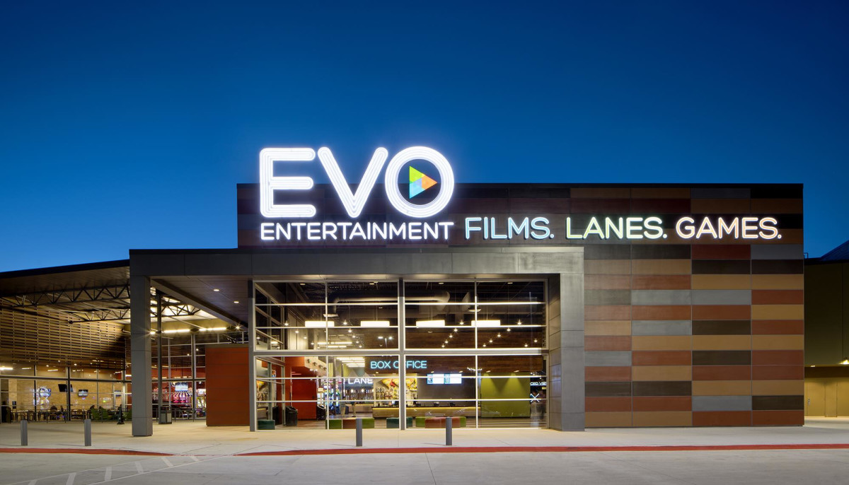San Antonio Area Movie Theater Debuts Drive In During Shutdown Culturemap San Antonio