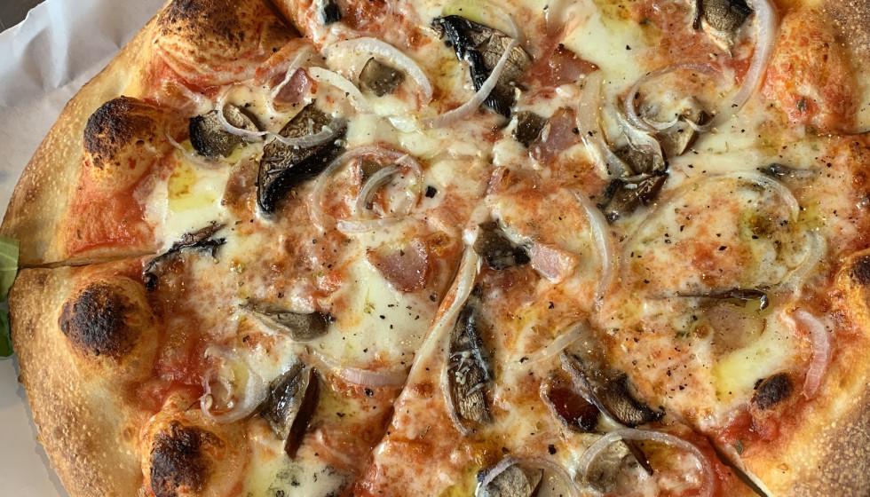 The Gypsy Poet mushroom pizza