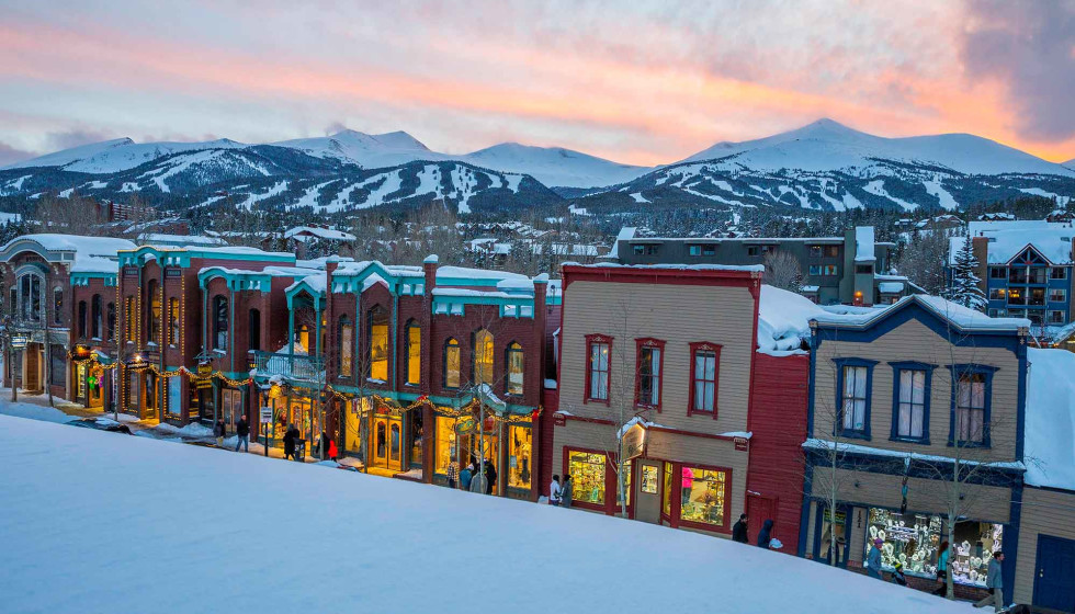New United service connects Houston travelers to snowy Colorado destinations