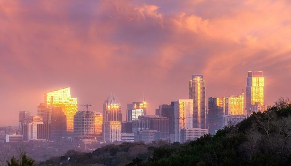Austin housing market continues 'calming trend,' with sale price dipping once again