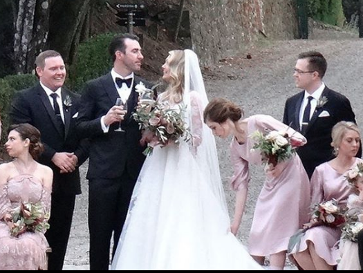 Kate Upton Wedding Dress.It S Official Kate Upton And Justin Verlander Tie The Knot In Italy