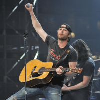 Dierks Bentley wide