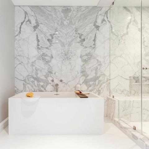 Houzz Houston house home 1960s London Texas style master bathroom modern tub