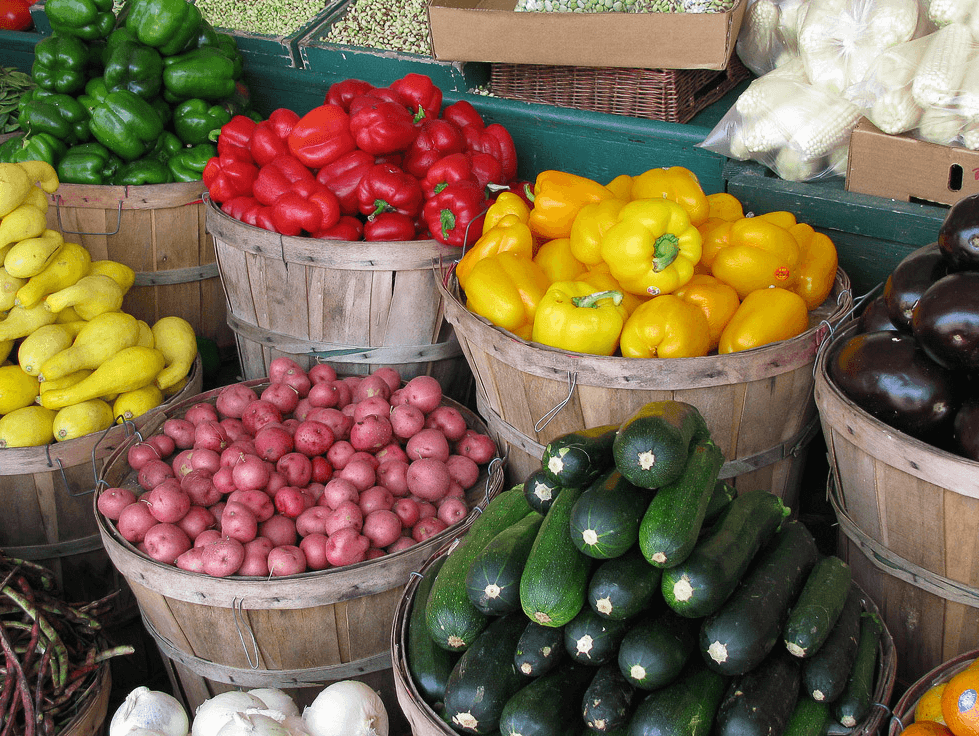 News_farmers market_vegetables
