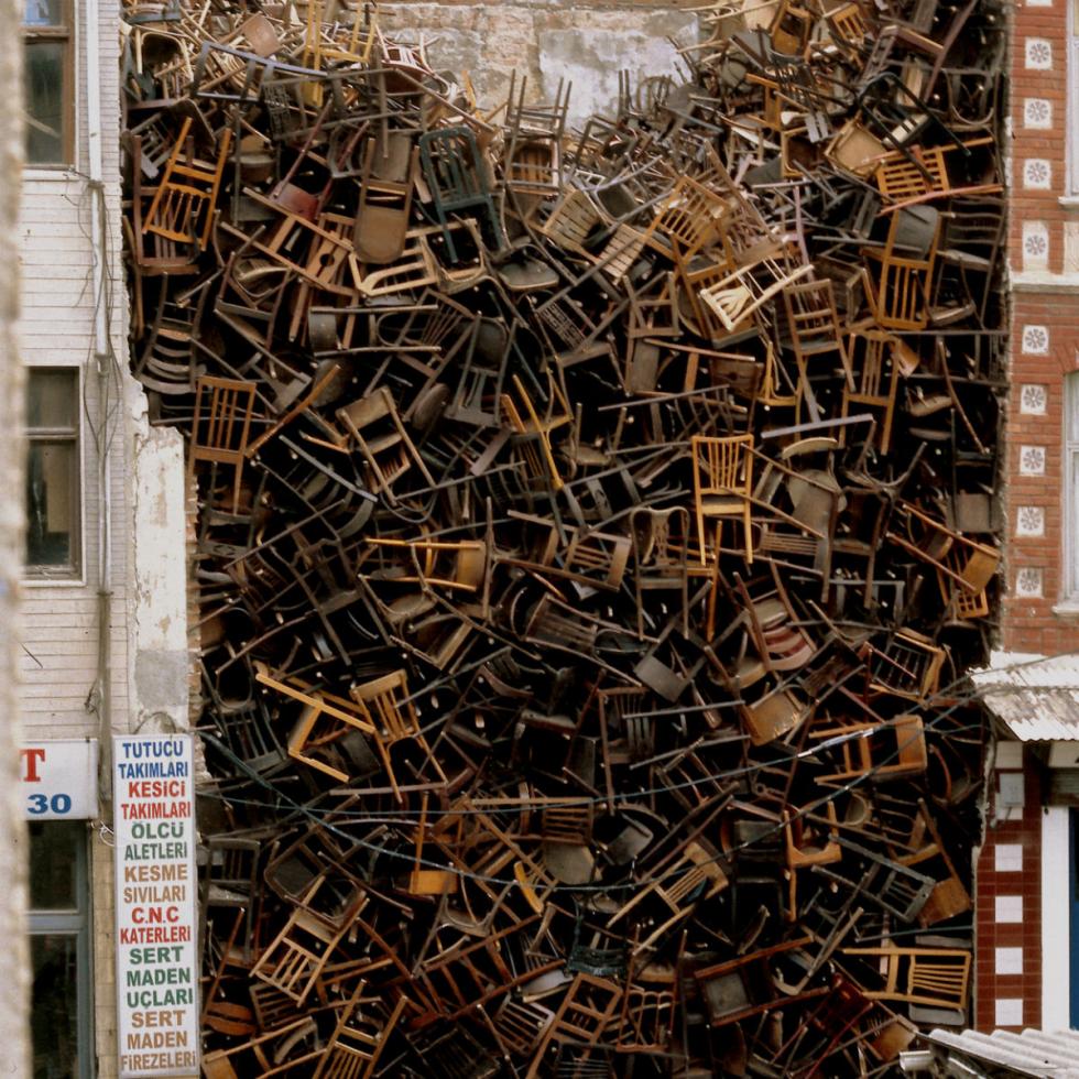 Doris Salcedo work at Istanbul Biennial