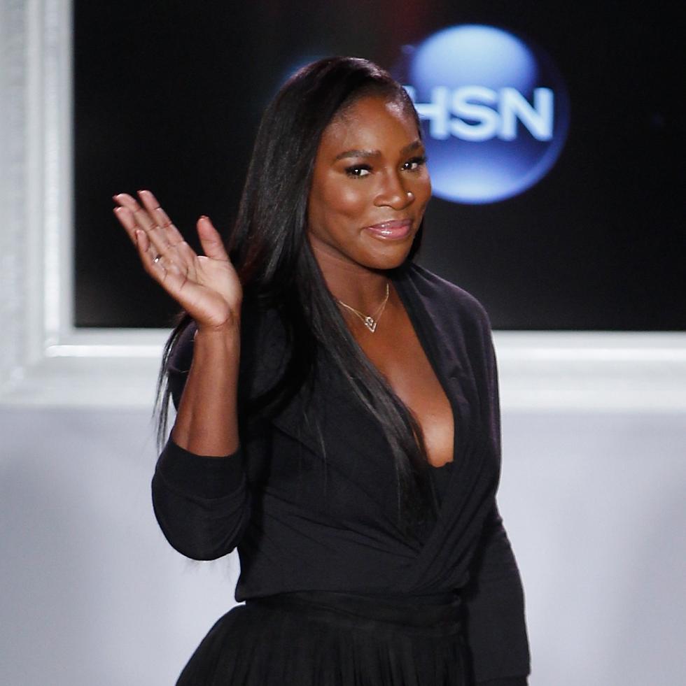 Serena Williams runway bow at HSN fashion show