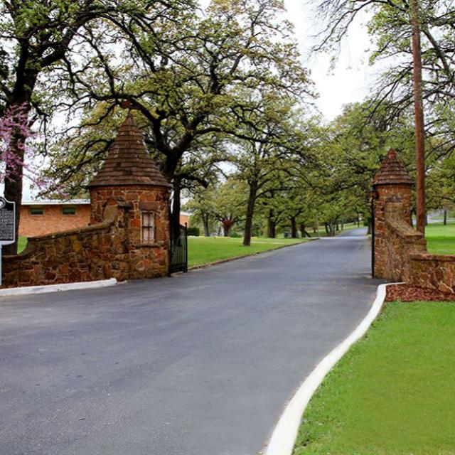 Top O' Hill Estate