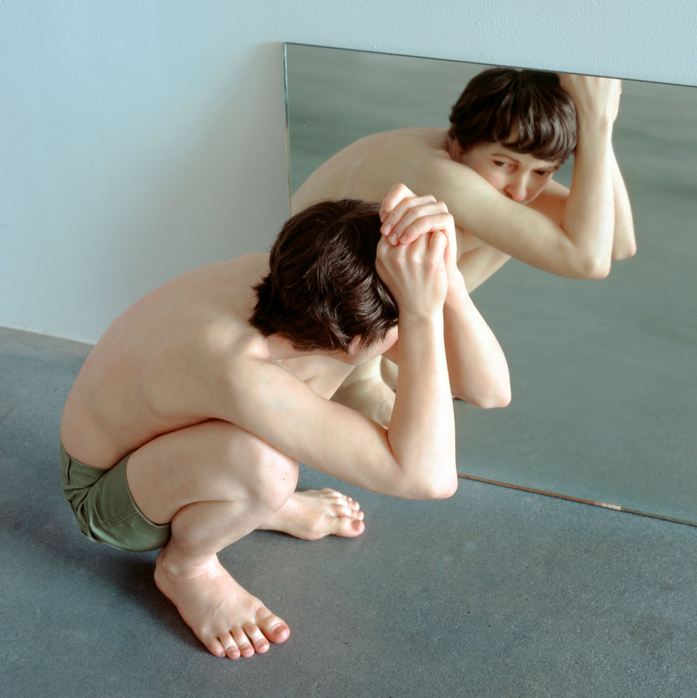 Ron Mueck: Crouching Boy in Mirror