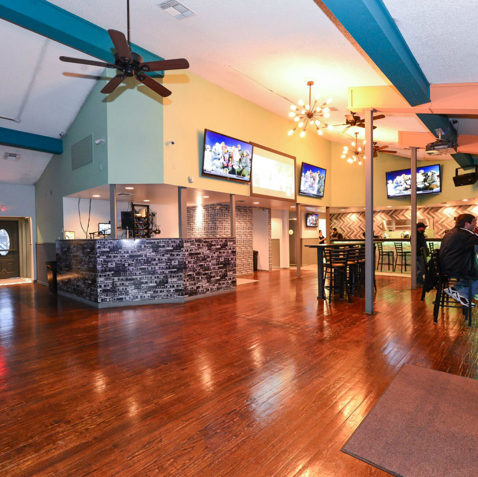 Groove Bar interior SATX