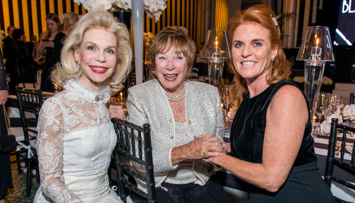 Elton John Helps Lynn Wyatt Take Museum Ball To A Record