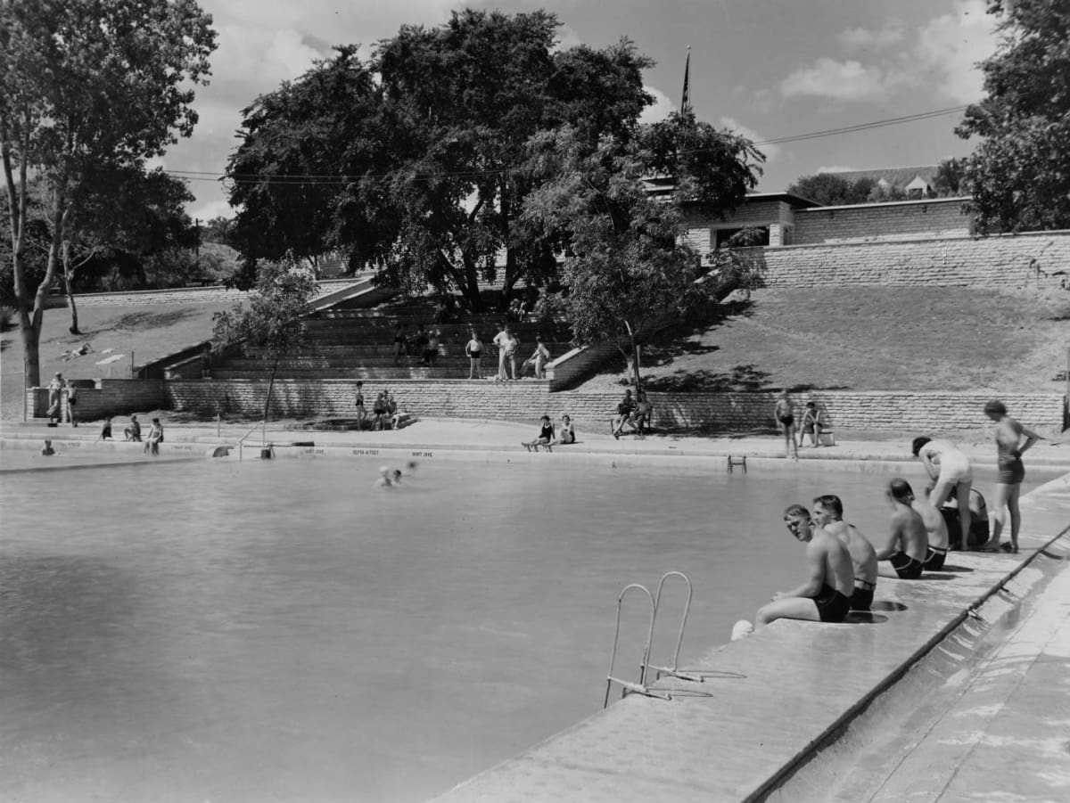 A Splashy History Of Deep Eddy The Oldest Swimming Pool