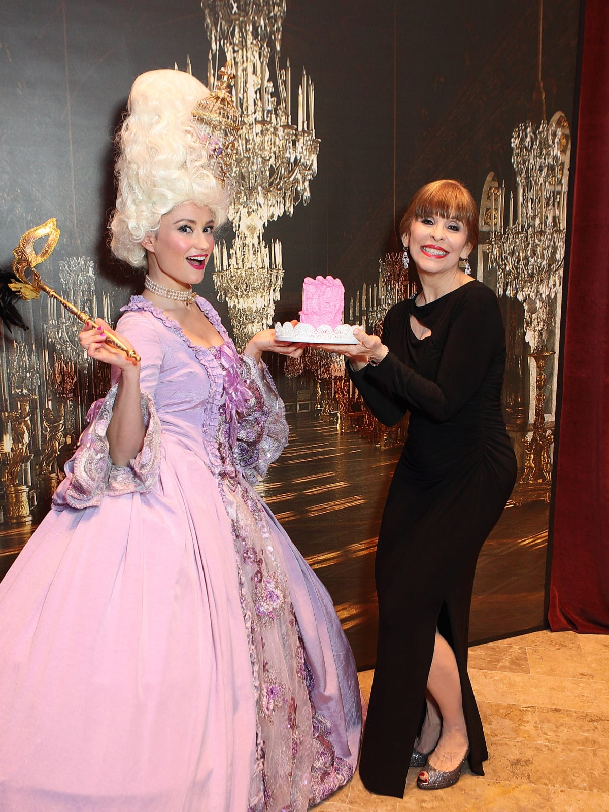 Stages 'Starstruck' Gala combines high drama and red ...