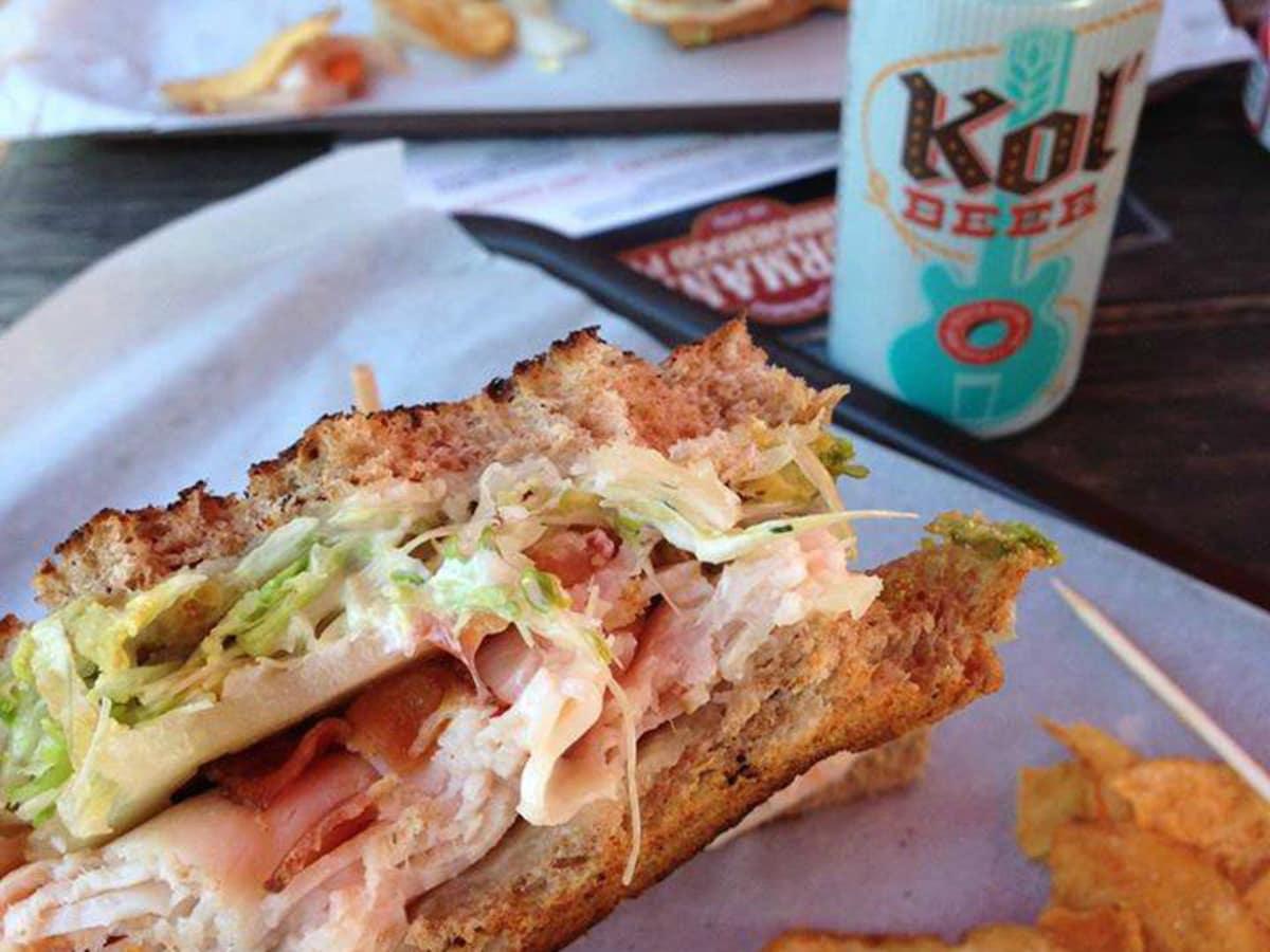 10 Best Austin Dive Restaurants For Damn Good Food At A Good