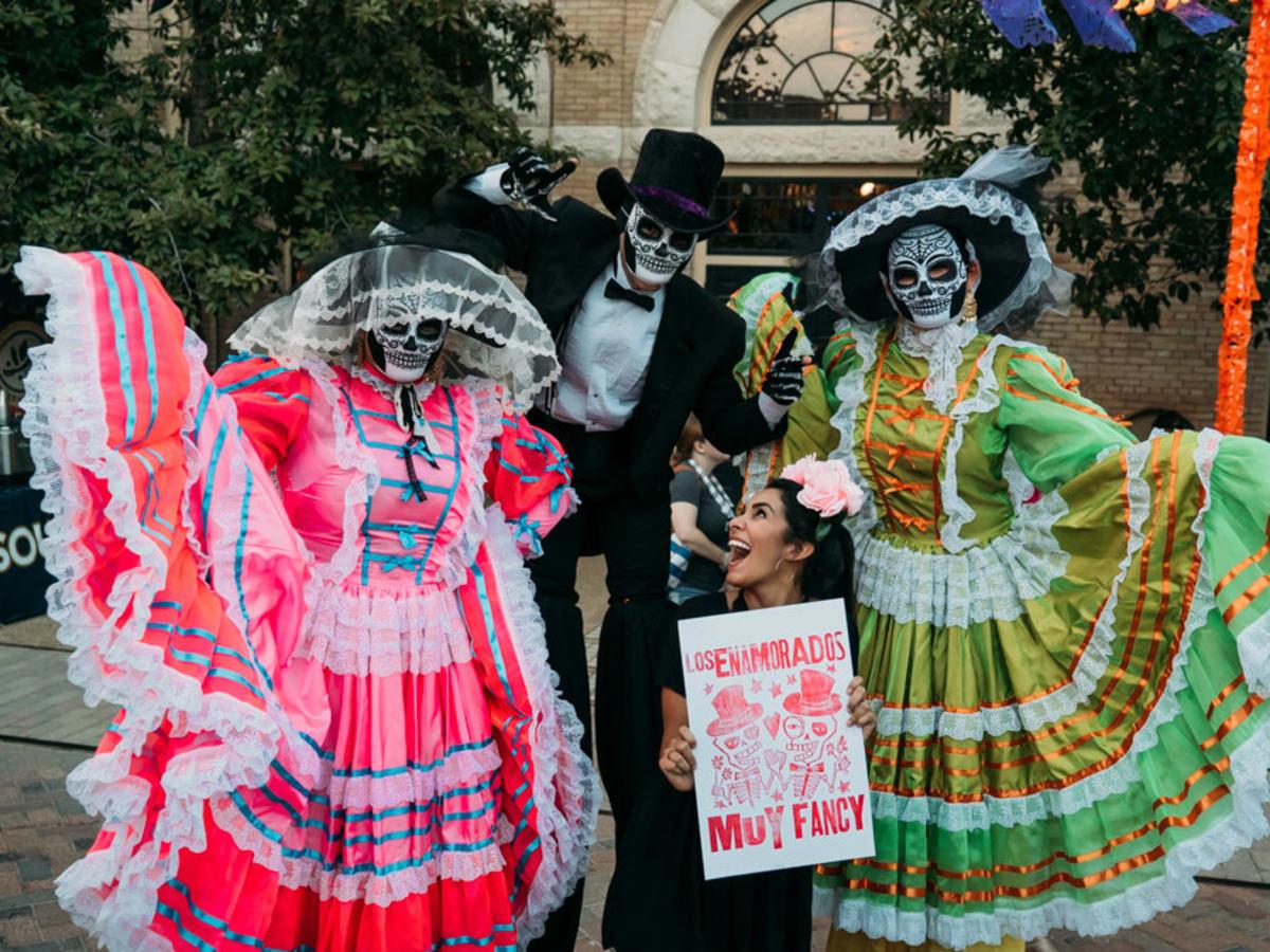 Texas Largest Dia De Los Muertos Festival Shows New