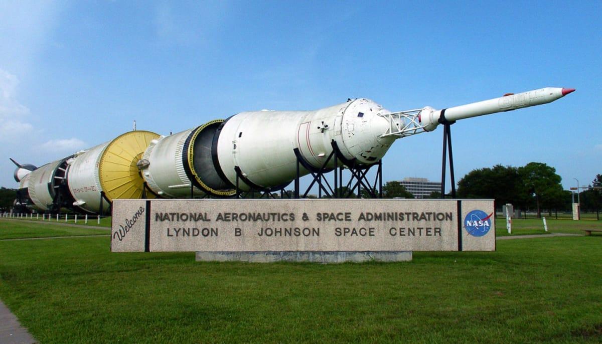 johnson space center apollo 13 - photo #43