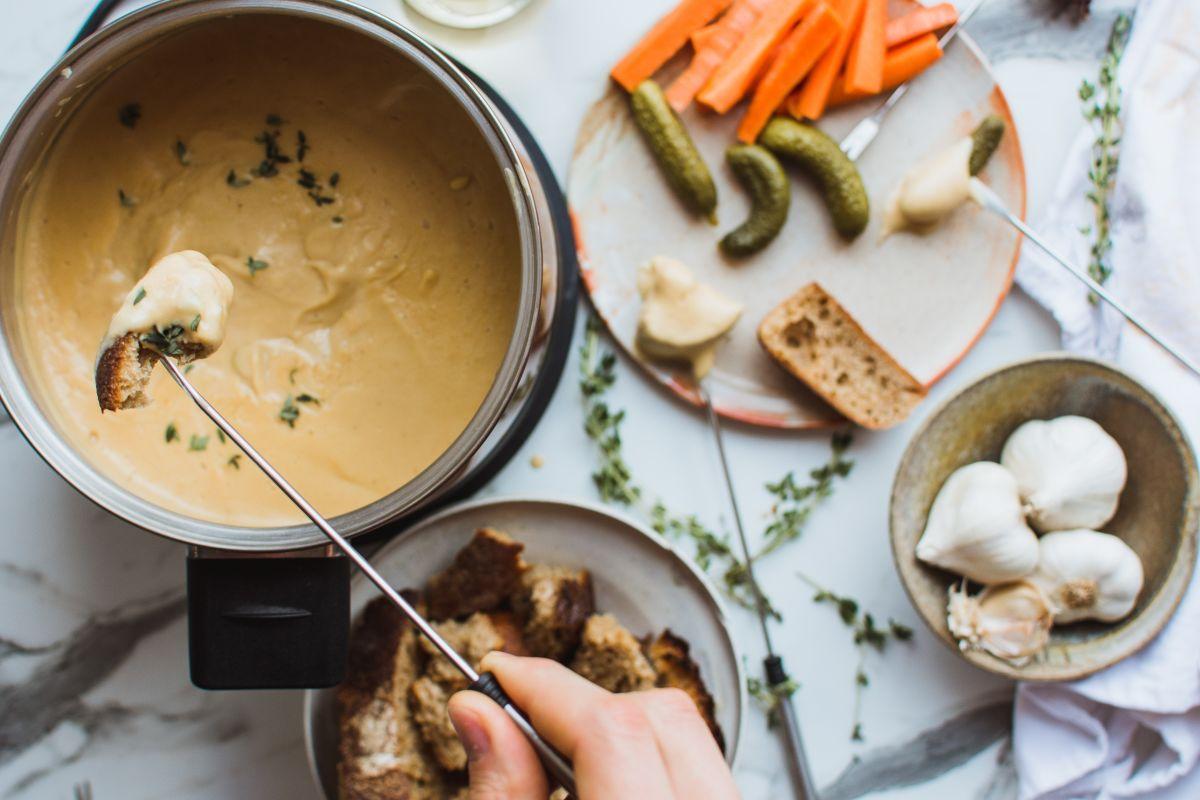 veganski sirov fondue