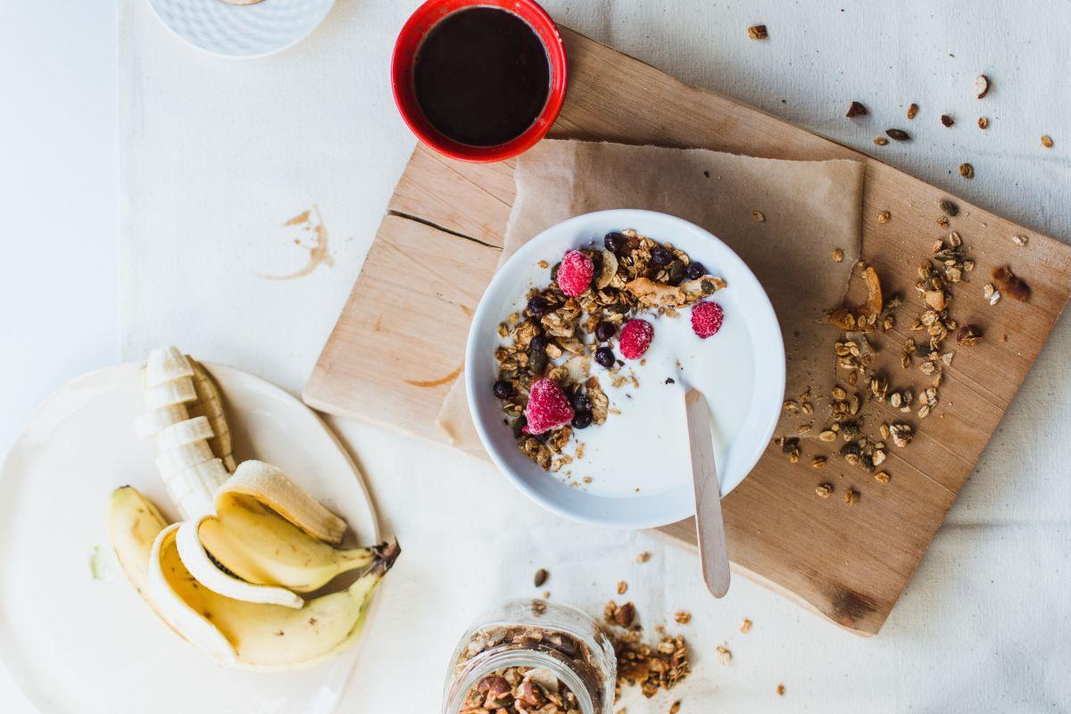 Super quick healthy homemade granola with no sugar.