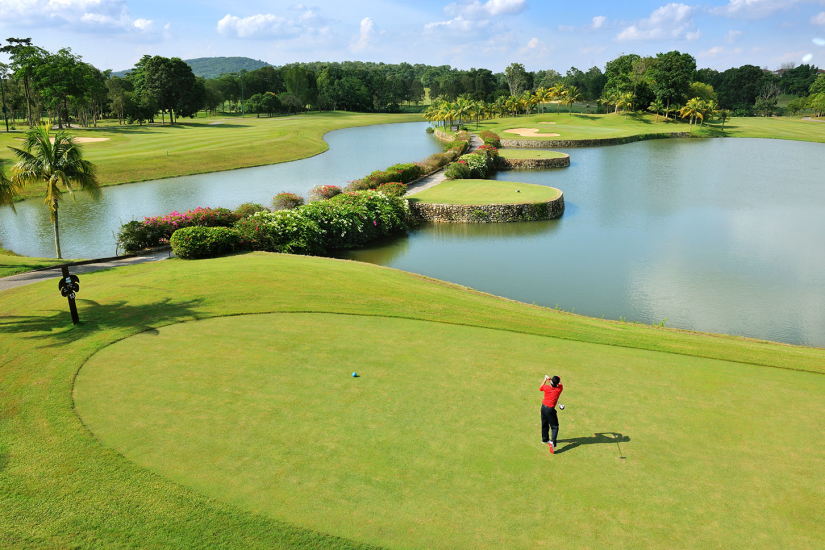 Pulai Springs Resort's 18-holes golf course is known to be among the best in the Johor Bahru with many golf enthusiasts regularly making this a key stop point.
