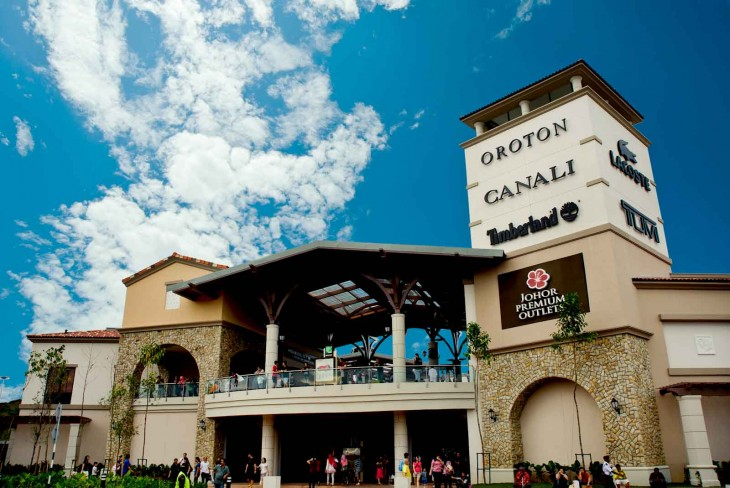 Johor Premium Outlet is the central shopping centre located at Iskandar area in Kulaijaya district. It is a luxury premium outlet