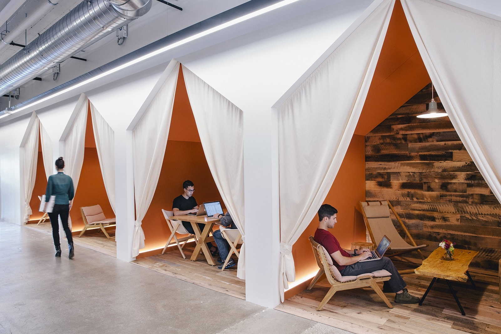 Camping meeting rooms at Airbnb