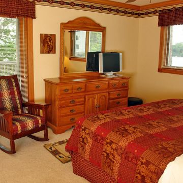 Three-Bedroom Condominiums, Style B 6