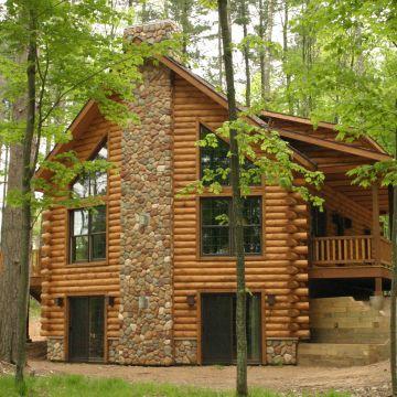Four-Bedroom Log Cabin 5