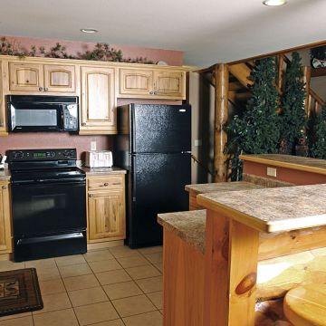 Four-Bedroom Log Cabin 7