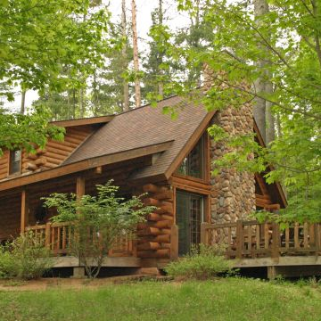 Two-Bedroom Log Cabin 5