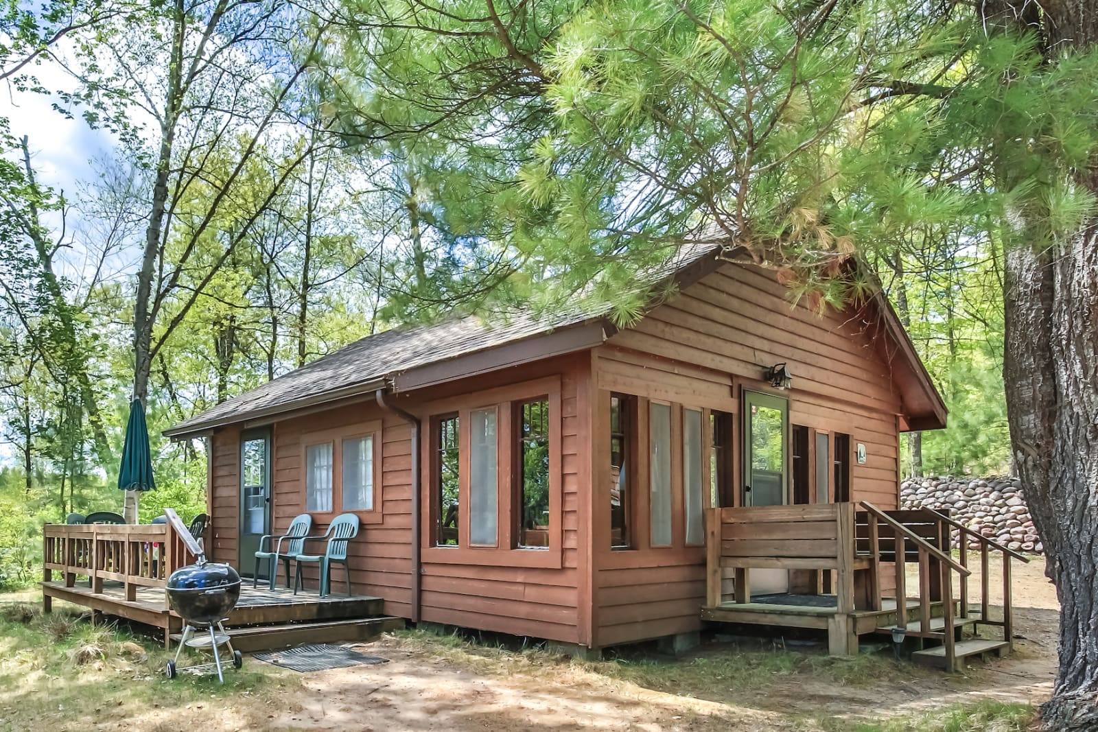 Twin Pine Auto >> Four-person Cabin | Vacation Rental in Minocqua | Booth ...