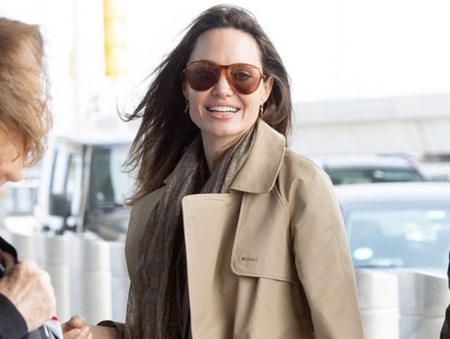 Новый выход Анджелины Джоли! Такая счастливая